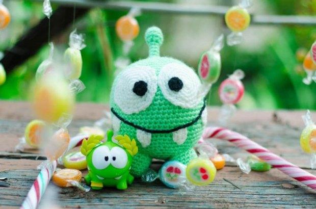 crochet-om-nom-amigurumi-pattern.jpg